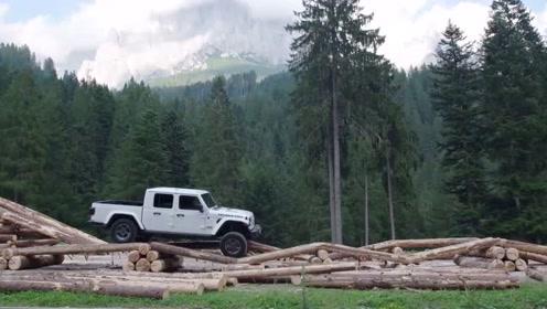 2020款Jeep角斗士皮卡官宣,让你体验如履平地的山地越野