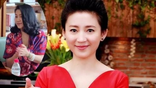 51岁王小丫近照曝光,娃娃脸变瓜子脸装扮朴素一改以往犀利形象