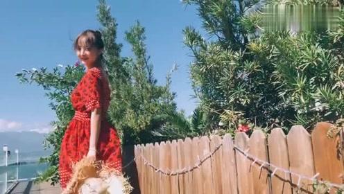 穿上这款连衣裙,少说也要年轻5岁
