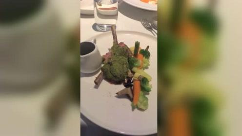 高级餐厅的牛肉,都这么原生态的吗?