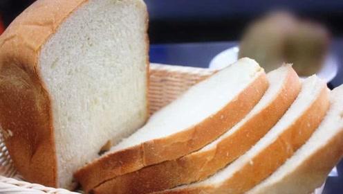 平时买面包需注意,这几种面包贵还不健康