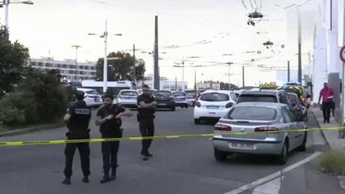 法国里昂突发持刀袭击事件 致1死9伤