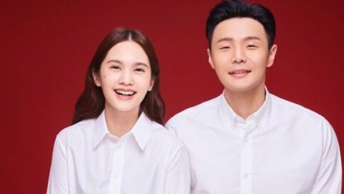 李荣浩杨丞琳发结婚照官宣,网友调侃:李荣浩请你把眼睛睁开