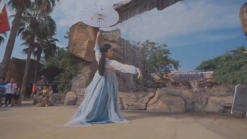 曾经大火的一曲《青花瓷》,古风舞搭配戏曲风真的曲美舞醉,百听不厌!