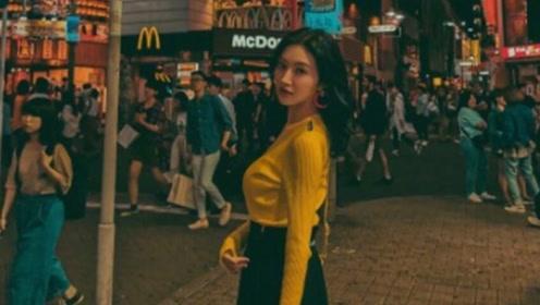 景甜日本逛街偶遇,分手之后身材更加火爆,街上最靓的仔!