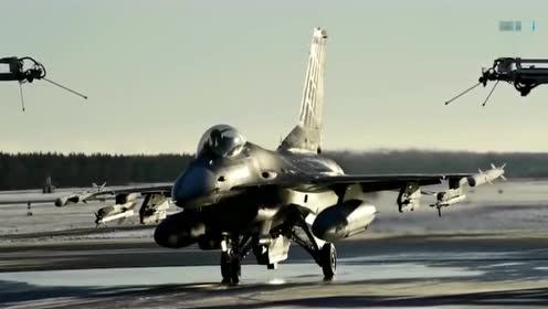 原来F16战机是这样洗澡的,开眼界了!