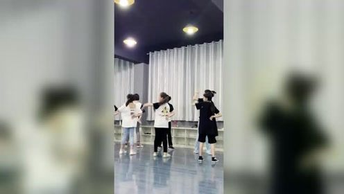 每日练习:一起来学爵士舞呀