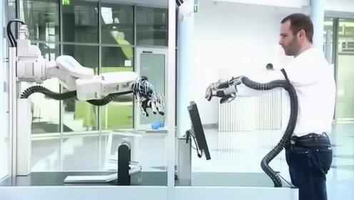 德国新型黑科技,无线操作外骨骼手臂,网友:体感机器人不远了