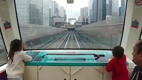 巴黎无人驾驶地铁,太牛了