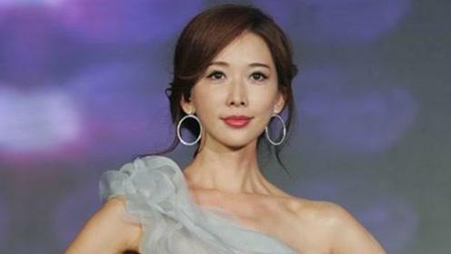 林志玲现身活动现场,衣服爆开引热议,网友:是拉链坏还是人为?