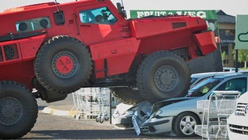 """迪拜土豪花费1.3个亿,改装""""最强""""越野车!撞塌一面墙安然无恙"""