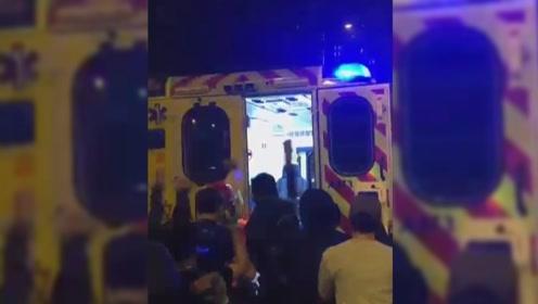 """港警押解女嫌犯求医期间被暴徒""""抢犯"""" 警员生命受威胁下开三枪"""