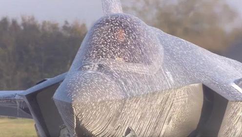 大写的尴尬  F-35被灭火泡沫喷停飞