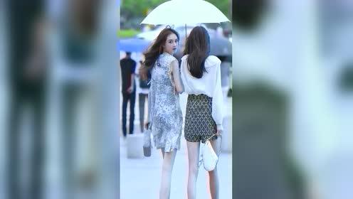 一把雨伞见真情!