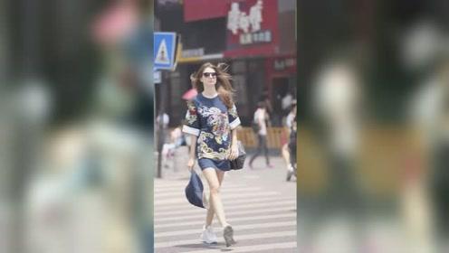 外国小姐姐居然穿中国服装