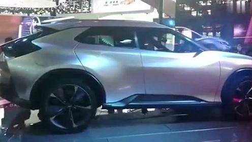 雪弗兰新款SUV颜值逆天,比GS8便宜6万,还买什么汉兰达