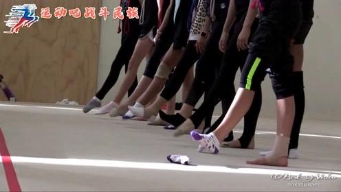 涨知识!原来俄罗斯体操队是用体操绳热身的