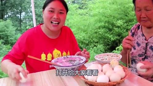 """连奶奶都不敢吃的""""毛鸡蛋"""",胖妹一下子买了20个,鲜到不行"""
