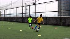 2016年12月03日足球训练控球高级之左右脚滚球踩球横拨 - 腾讯视频
