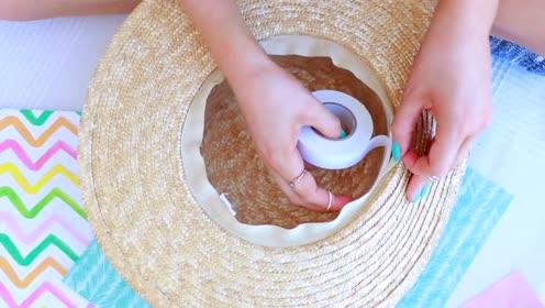 时尚穿搭妙招,太阳帽戴得有点松容易被风吹走,这一招就可搞定!