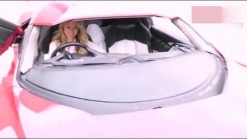 女销售打开车门的一刻,才知道价值8000万的豪车有多好