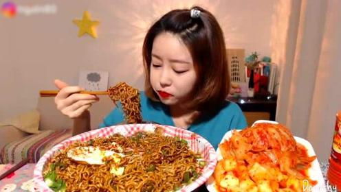 中国泡面消费量全世界第一!平均每人每年吃29包,你贡献了多少?