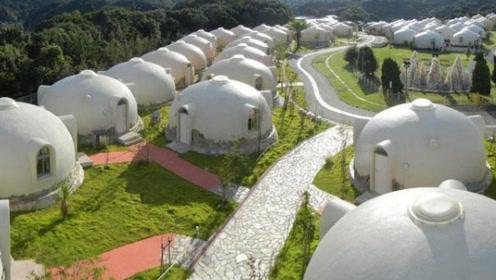 """日本""""泡沫房""""火了,整个房子总重80公斤,却能抵御狂风暴雨!"""