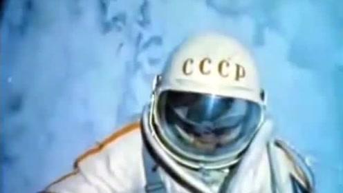 """""""太空行走第一人""""阿列克谢·列昂诺夫去世 重温第一次太空行走"""