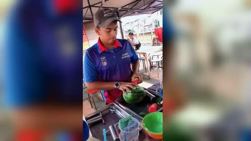 泰国的方便西瓜!方便是方便!就是不如冰冰姐亲手砍的有灵魂!