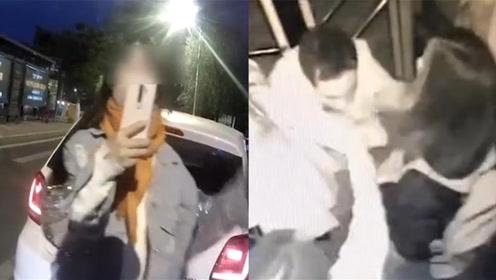 现场速递 | 女子闯红灯直播辱骂交警;猥琐男被女生1秒锁喉