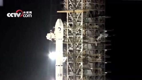 回顾嫦娥三号发射的骄傲时刻,这一幕令国人感动