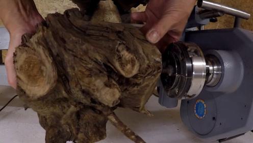 老外从树林挖回几根腐烂的异形木桩,能雕成啥?实测成品十分美观