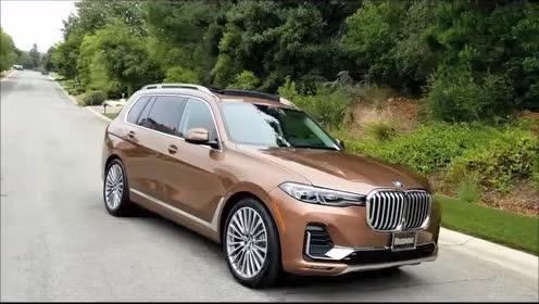 一起来看一下2019款 BMW X7 40i 的机舱内部