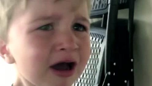 论一个演员的修养,小朋友哭的时候光打雷不下雨,真让人佩服