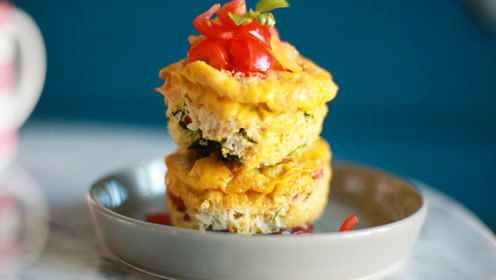 """30秒健身食谱—低碳水代餐""""蛋糕"""",鸡蛋蔬菜早餐麦芬muffin"""