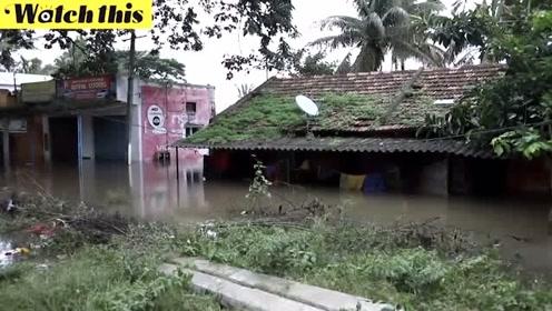 印度季雨引发洪水淹没街道房屋 死亡人数急剧增加百万人撤离