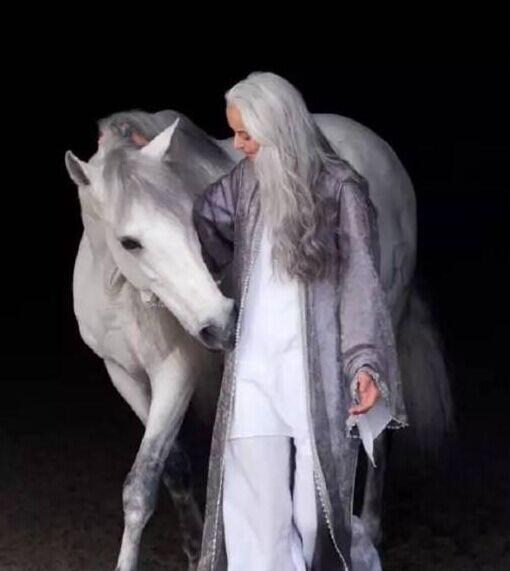 yasmina rossi 1955年出生在法国
