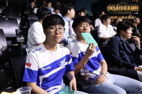RNG对阵卫冕冠军GG IG首秀迎战GRX