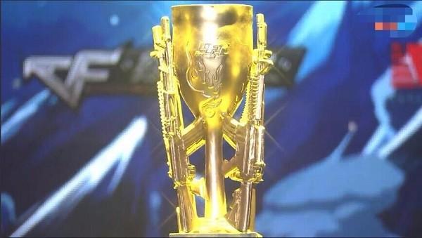 S12总决赛开打 四只队伍有夺冠希望