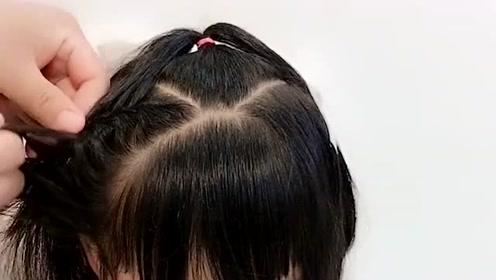 有劉海的寶寶頭發這樣扎,俏皮又可愛!圖片